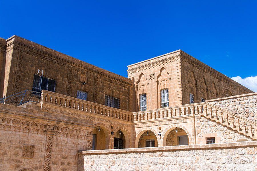 deyrulumur manastiri detay