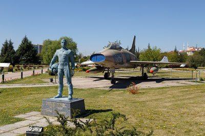 eskisehir havacilik muzesi cengiz topel 400x266