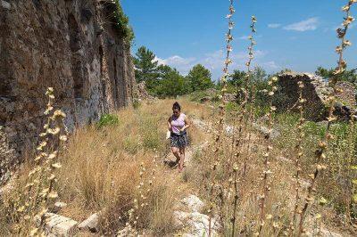 alanya syedra antik sutunlu cadde kalintilari 400x266
