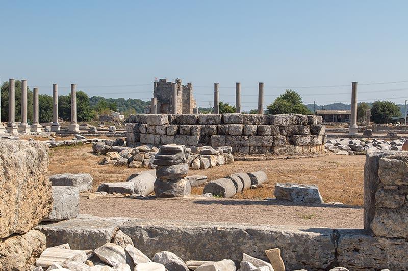 antalya perge antik kenti agora kalintilari