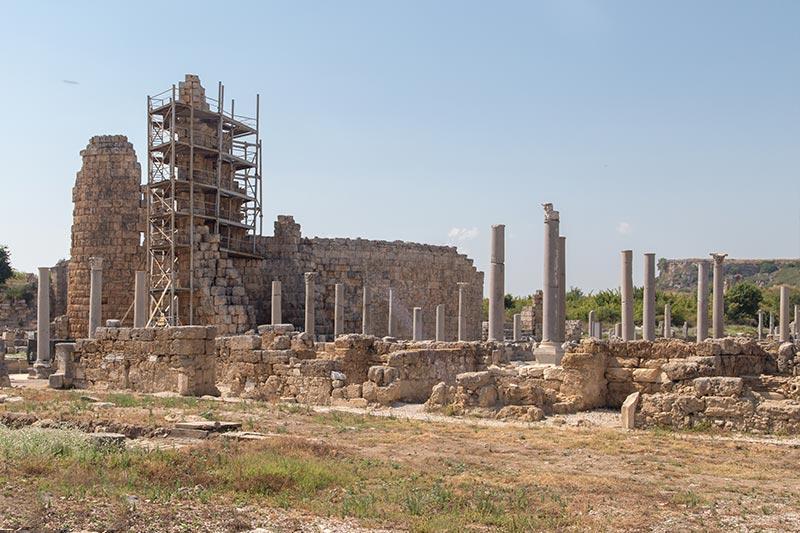 antalya perge antik kenti helenistik kapi yapi kalintilari