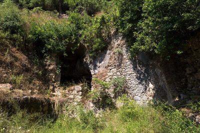 syedra antik kenti magaralar 400x266