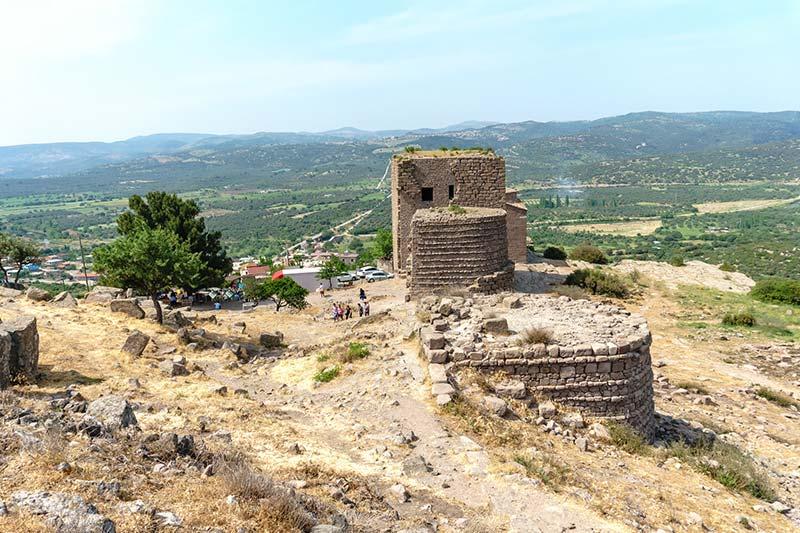 assos antik kenti gymnasium kalintilari