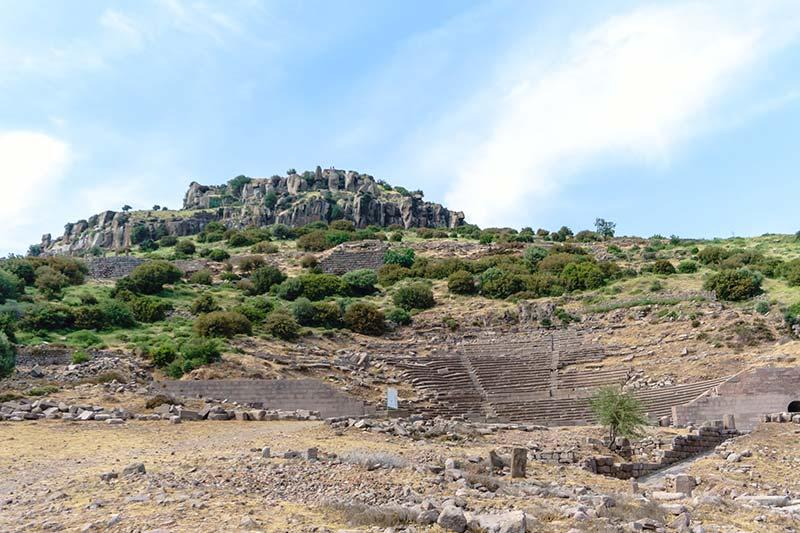 assos antik kenti tiyatrosu