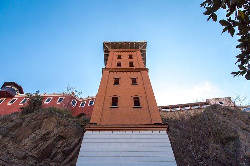 izmir konak tarihi asansor binasi