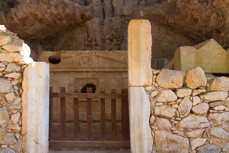 olimpos kaptan eudemas mezari