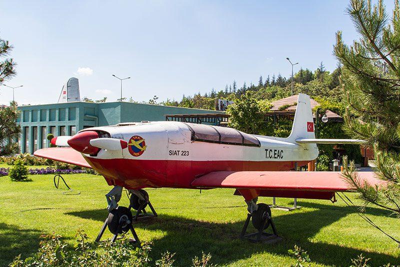 eskisehir havacilik muzesi siat 223 flamingo
