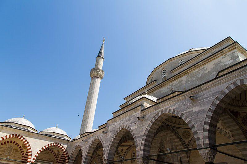 uc serefeli cami minaresi