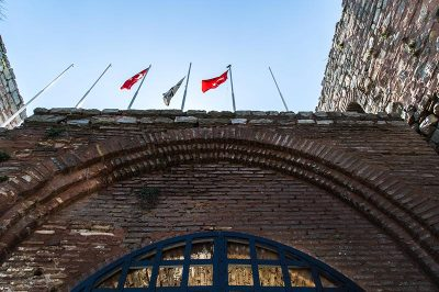 eskihisar kalesi kapilari 400x266