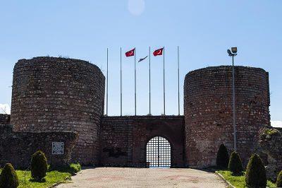 eskihisar kalesi kapisi 400x266