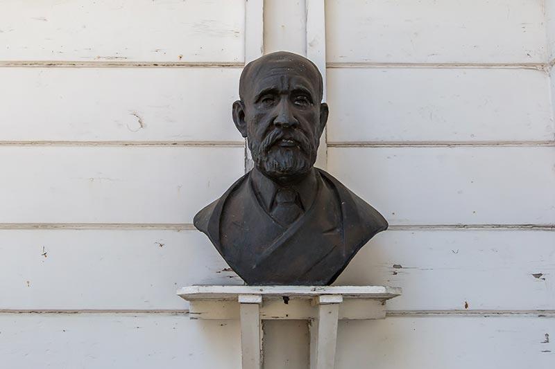 osman hamdi bey muzesi portre heykeli