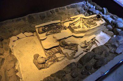 antakya arkeoloji muzesi mezar odasi 400x266