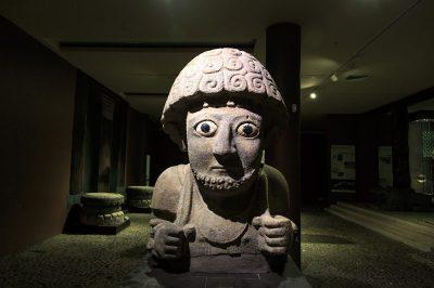 antakya arkeoloji muzesi suppiluliuma heykeli 400x266