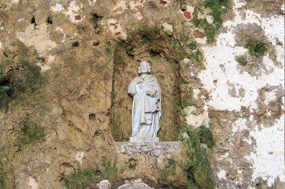 st pierre kilisesi mermer heykeli 400x266