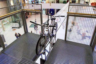 ahhaa bilim merkezi ip ustunde bisiklet 1 400x266