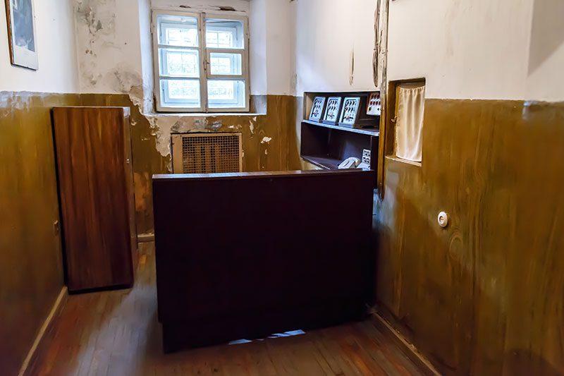 litvanya kgb muzesi ofis odasi