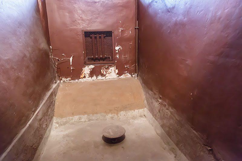 litvanya kgb muzesi soguk su hucresi