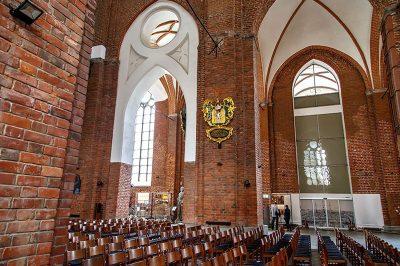 riga st peter kilisesi arma kitabeleri 400x266