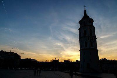 vilnius katedrali can kulesi 400x266