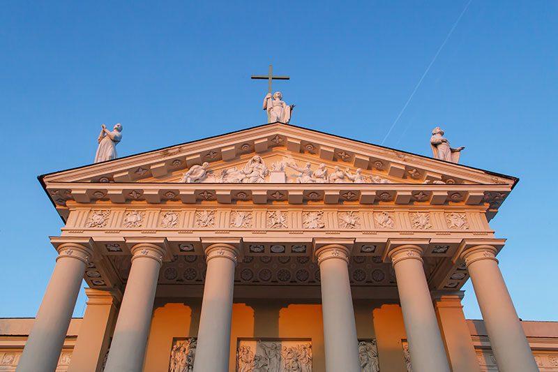 vilnius katedrali heykelleri
