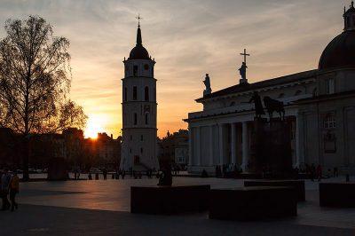 vilnius katedrali meydani 400x266