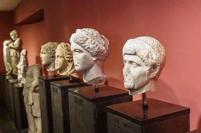 fethiye muzesi heykel baslari 400x266