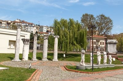 kocaeli arkeoloji etnografya muzesi bahcesi 400x266