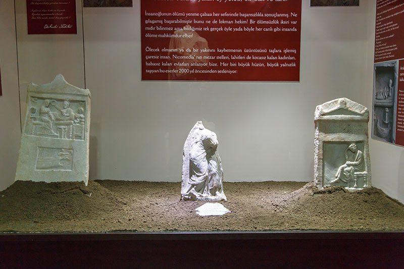kocaeli arkeoloji etnografya muzesi mezar stelleri