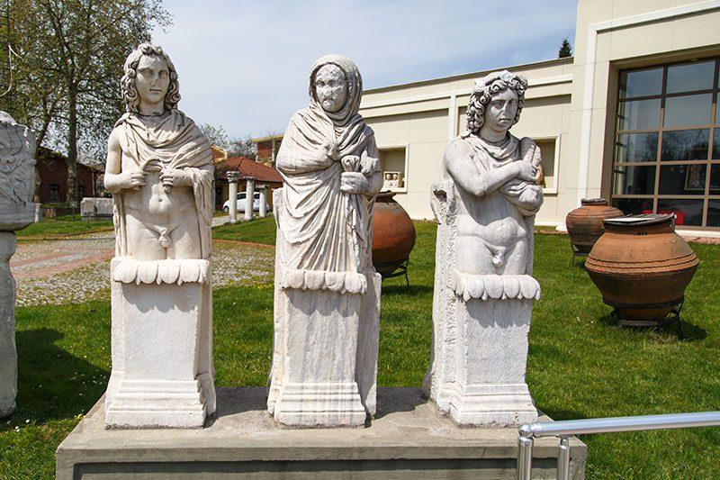 kocaeli arkeoloji etnografya muzesi uc mevsim heykelleri