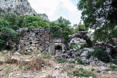 termessos antik kenti yikilmis sehir 400x266