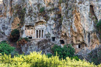 tlos antik kenti gomme mezarlar 400x266