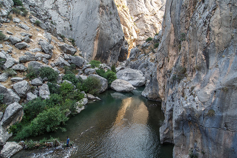 kahta selcuklu koprusu kanyonu
