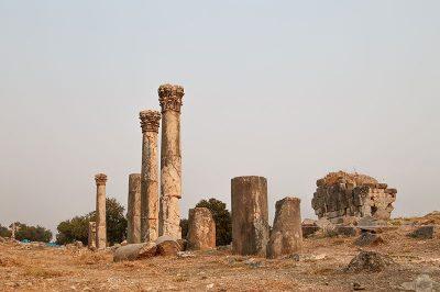 kastabala antik kenti sutunlu cadde 400x266