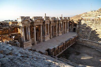 hierapolis antik kenti tiyatrosu 400x266