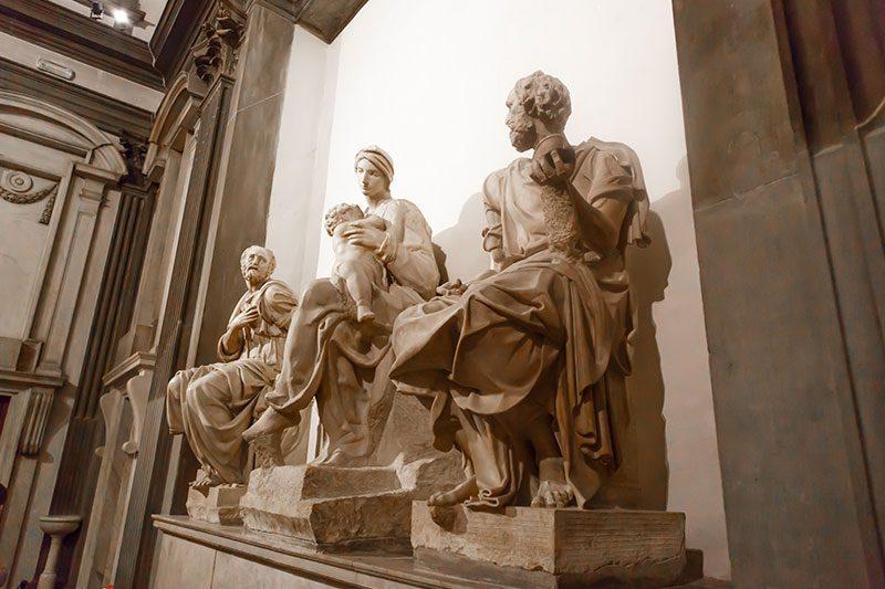 michelangelo madonna cocugu koruyuculari heykeli