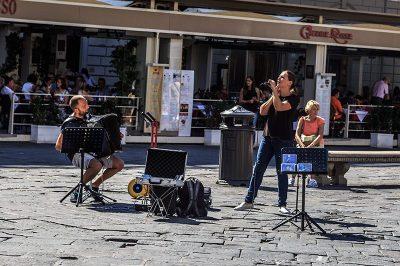 piazza della repubblica sokak muzisyenleri 400x266