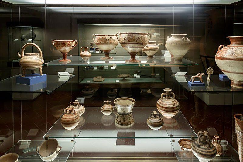 floransa arkeoloji muzesi antik vazo frizleri