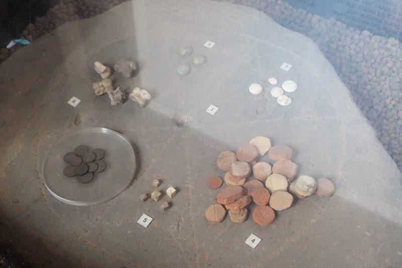 kolezyum kumar taslari