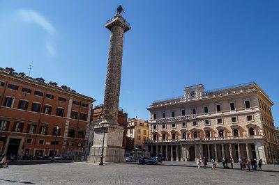 piazza colonna roma 400x266