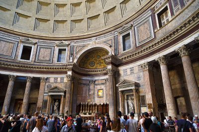 roma panteon ziyaretciler 400x266