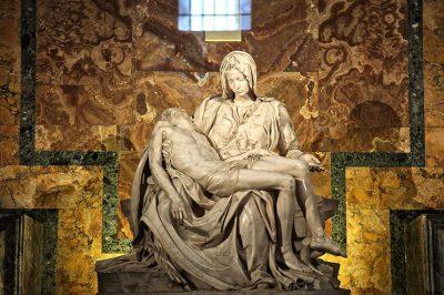 vatikan michelangelo pieta heykeli 400x266