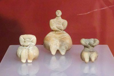 gozo arkeoloji muzesi kucuk heykeller 400x266