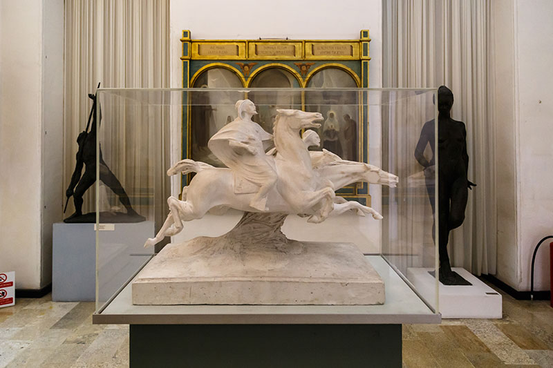 guzel sanatlar ulusal muzesi heykeltiraslar
