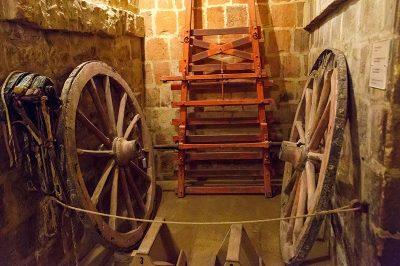 malta gozo folklor muzesi tekerlekler 400x266