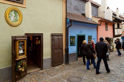 prag kalesi golden lane evi 400x266