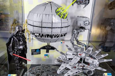 prag lego muzesi starwars dark weider 400x266