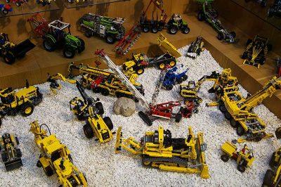 prag lego muzesi teknik oyuncaklar 400x266