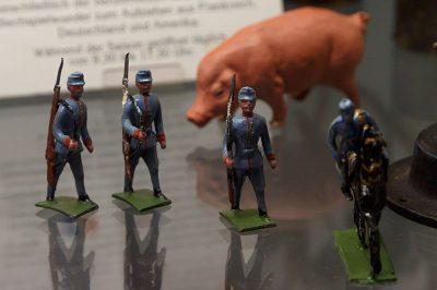 prag oyuncak muzesi asker 400x266