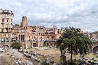 roma antik forumlar tarihi yapi 400x266