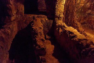st paul yeralti mezarlari aileler 400x266